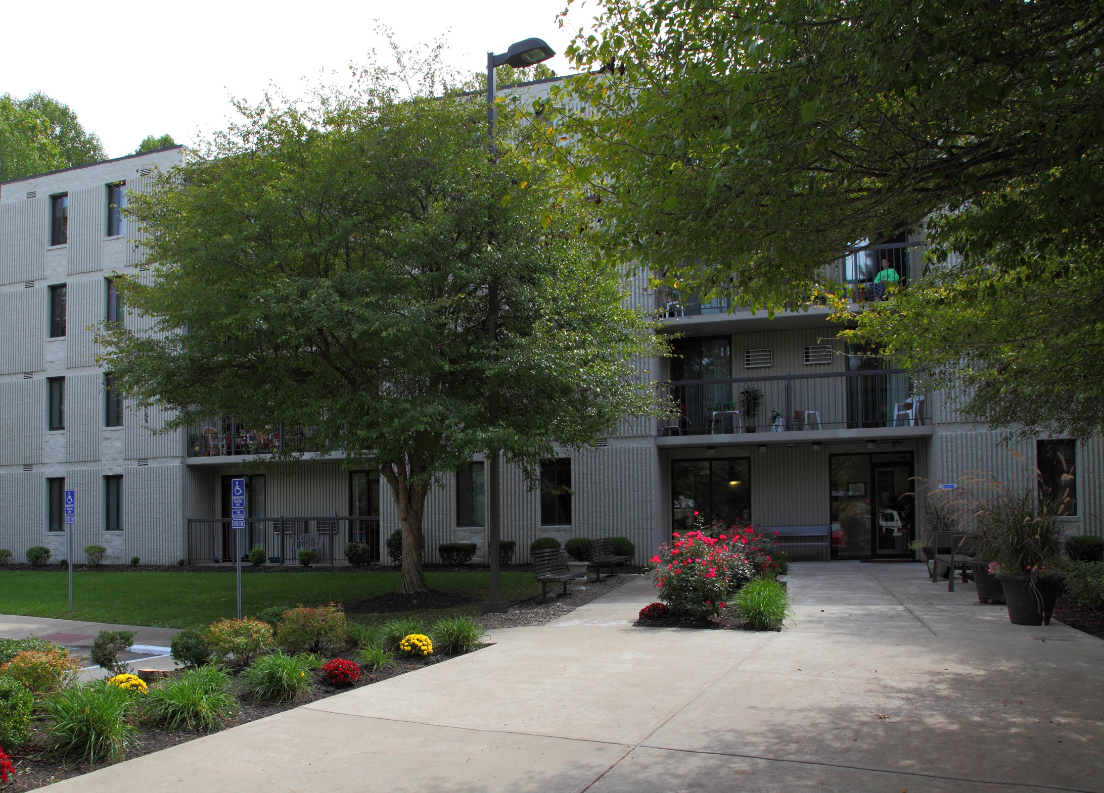 Charter House Apartments